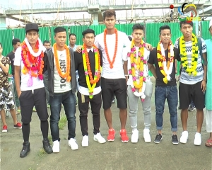 7 Manipuri footballers who represented India at FIFA Under 17 return home to a rousing welcome at Imphal airport