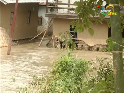 The bank of Imphal river collapses in Mayang Imphal, several houses and over 2000 hectares of paddy fields inundated in Uchiwa