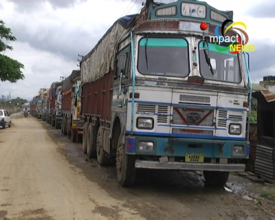 About 200 trucks stranded outside FCI Godown at Sangaiprou