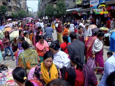 Cheiraoba shoppers throng Khwairamband bazar, governor and chief minister greet people on Cheiraoba